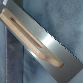"20"" Notched  Trowel V-Shaped Tooth 6x6 mm"